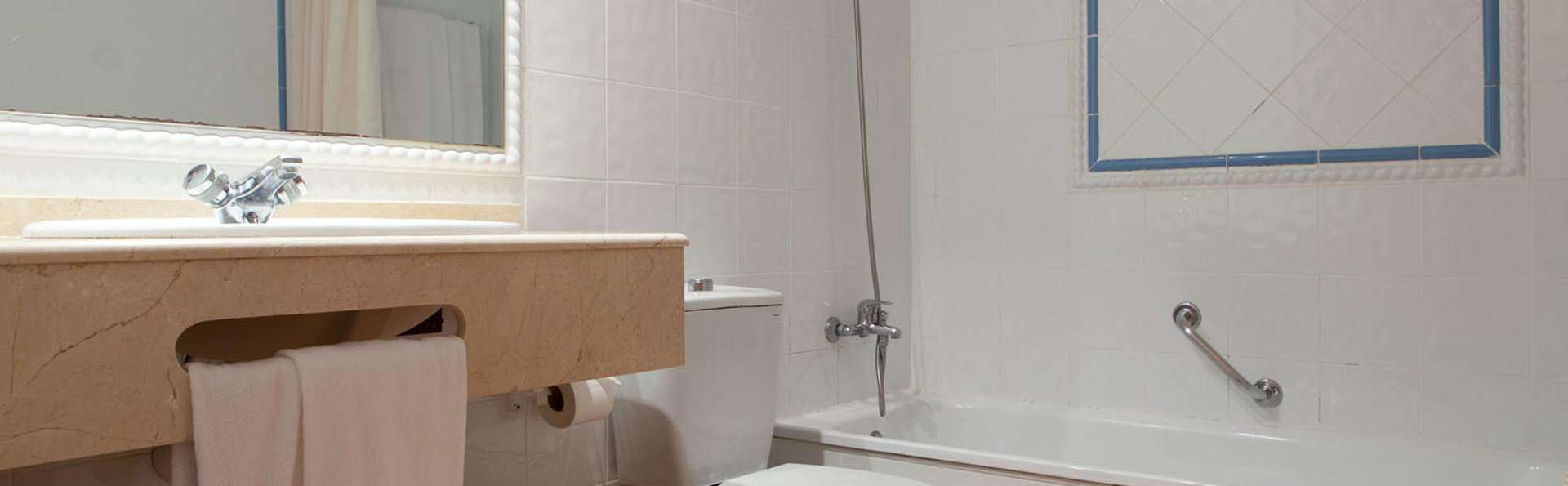 Hotel Intur Bonaire - edit_bathroom84.jpg