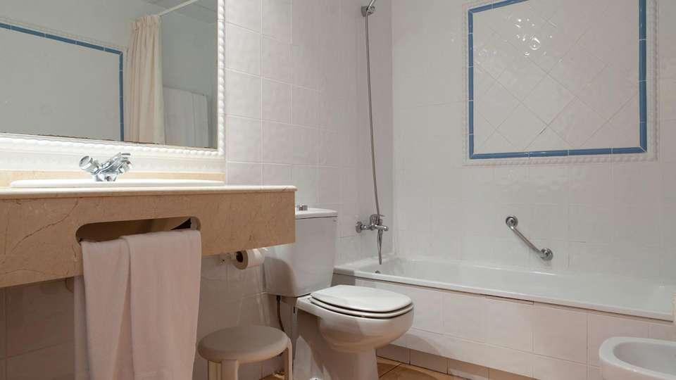 Hotel Intur Bonaire - edit_bathroom84.jpg