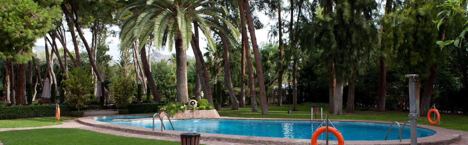 Hotel Intur Bonaire - edit_garden_pool3.jpg