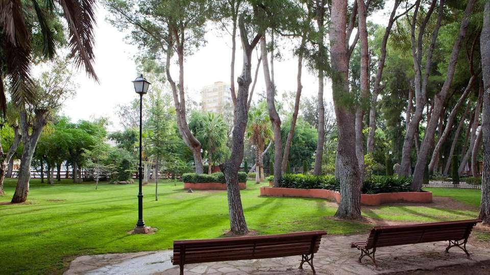 Hotel Intur Bonaire - edit_garden832.jpg