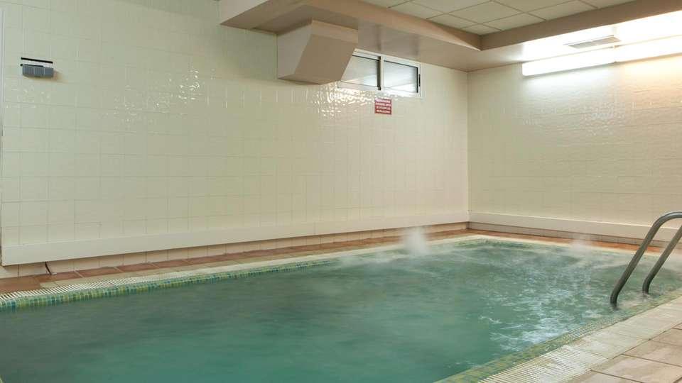 Hotel Intur Bonaire - edit_pool3.jpg