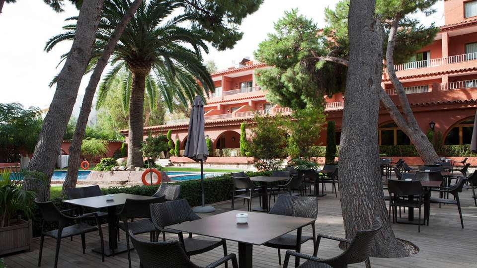 Hotel Intur Bonaire - edit_terrace_pool.jpg