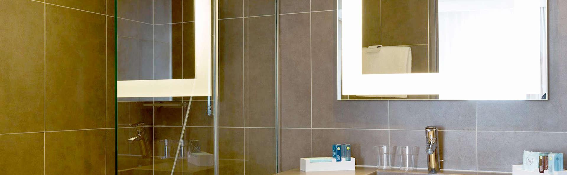 Novotel Prado Centre Vélodrome - Edit_bath.jpg