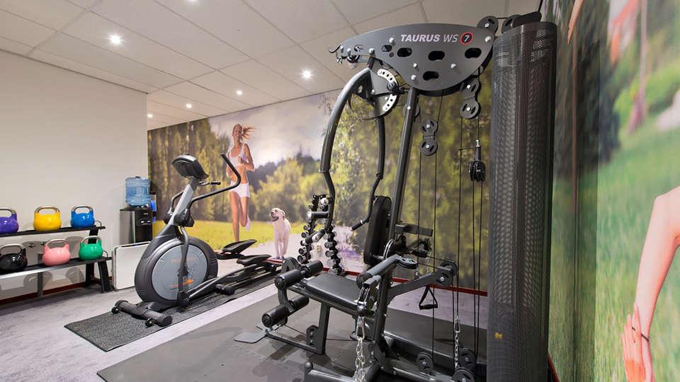 Amsterdam Teleport Hotel - Edit_gym.jpg