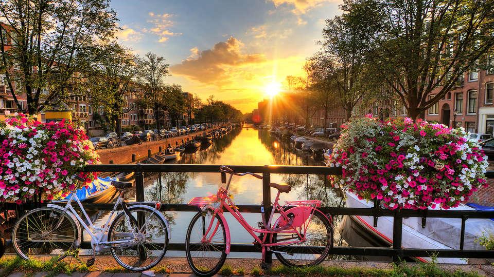 Amsterdam Teleport Hotel - Edit_destination4.jpg