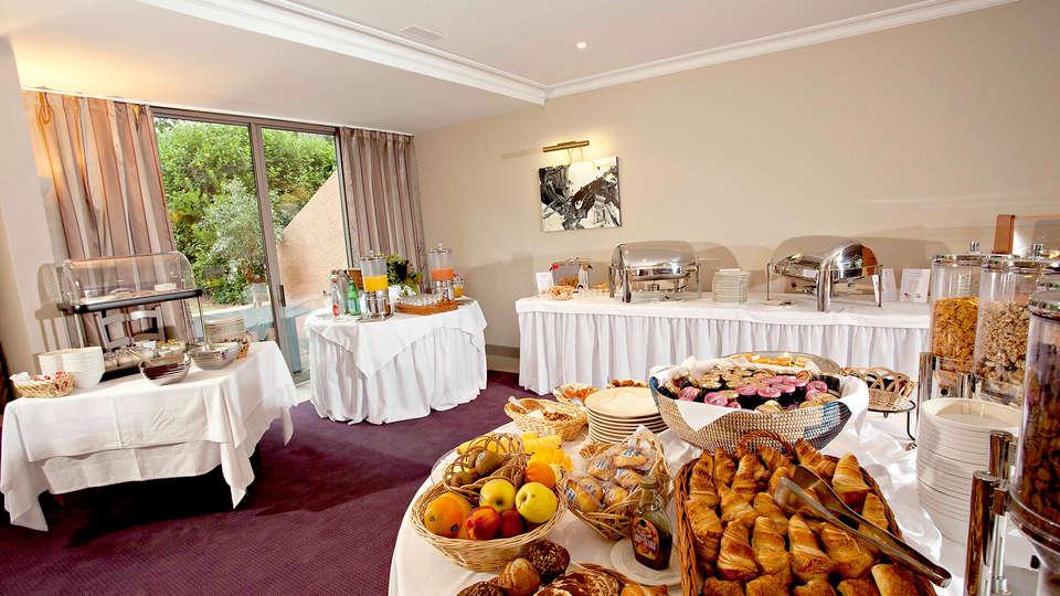 Najeti Golf Hôtel de Valescure  - Edit_buffet.jpg