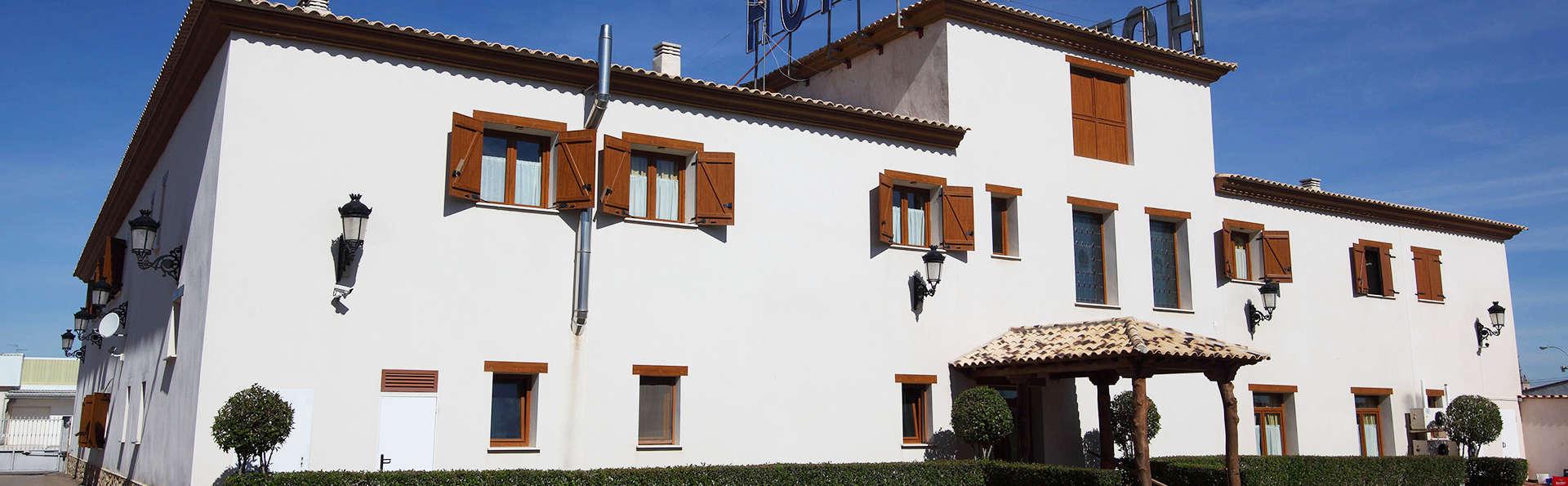 Hotel A Posada - edit_facade3.jpg