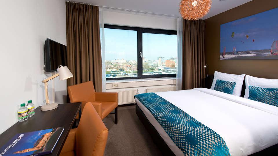 The Hague Teleport Hotel - Edit_Room8.jpg