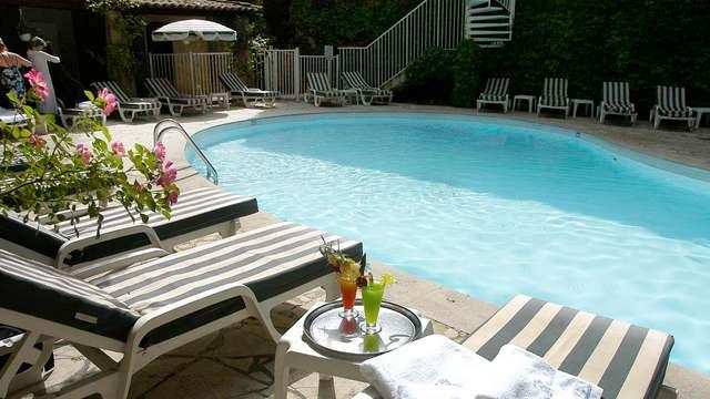 acceso a la piscina exterior para 2 adultos