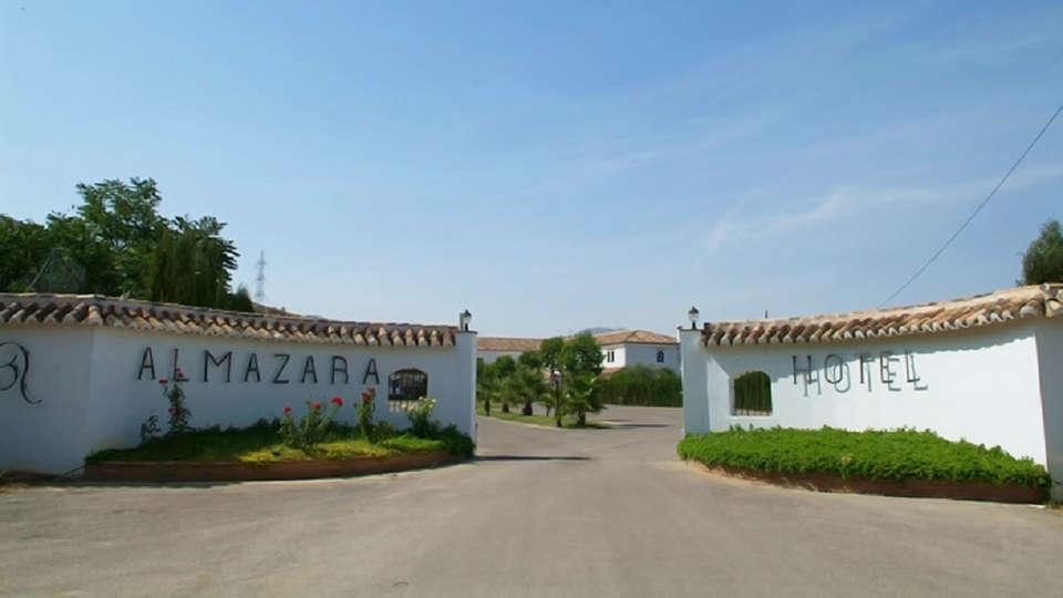Hotel Almazara - edit_entrance.jpg