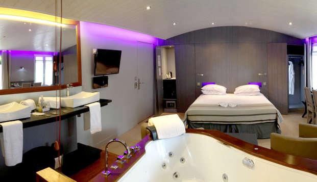 Elegance Suites Hotel - Room