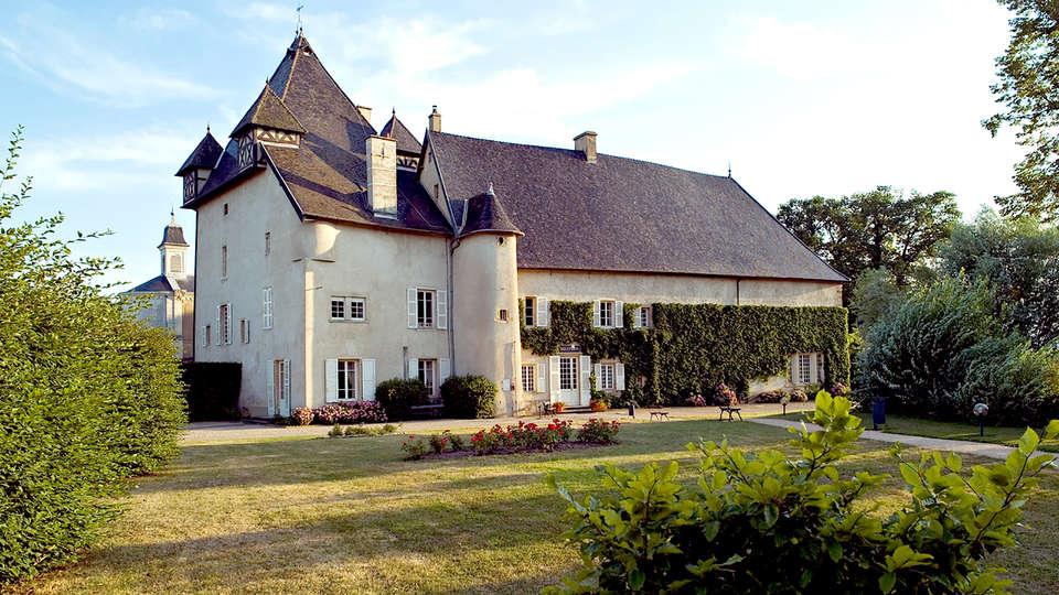 Château de Pizay  - Edit_Front.jpg