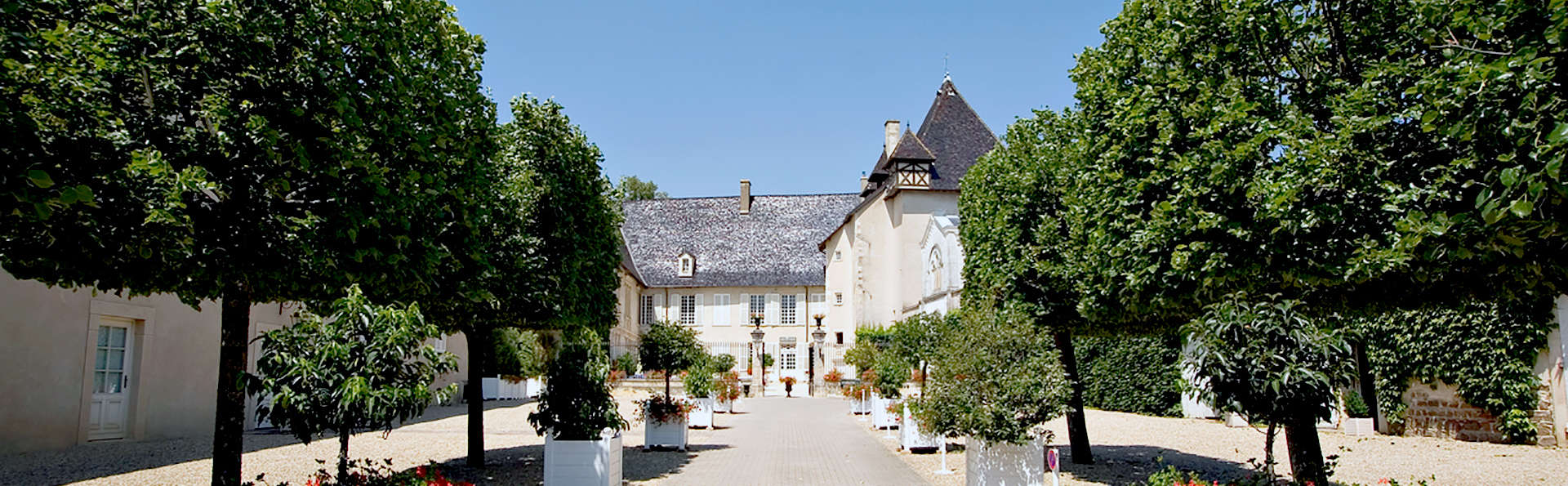 Spécial Eté : Gastronomie et détente dans un château du Beaujolais