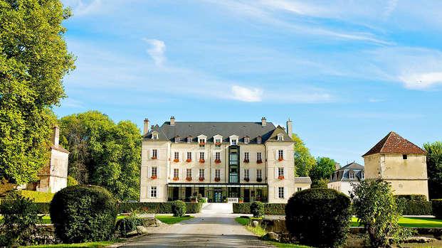 Chateau de Saulon - front