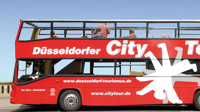 1 Hop-On Hop-Off Düsseldorf City Tour voor 2 volwassenen