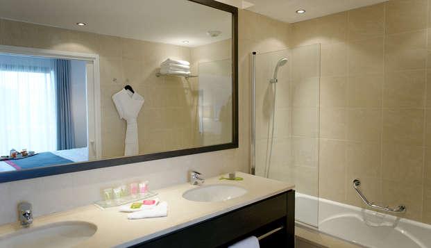 New Hotel Of Marseille - bathroom