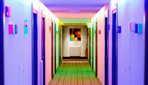 New Hotel Of Marseille - hall
