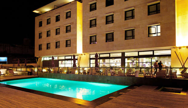 New Hotel Of Marseille - pool