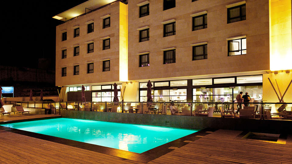 Week end de luxe marseille avec 1 visite du ch teau d 39 if for Hotel design paca