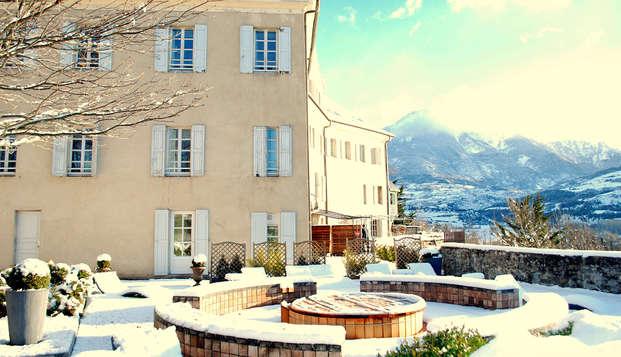 Vue panoramique et accès spa, au cœur des Hautes-Alpes