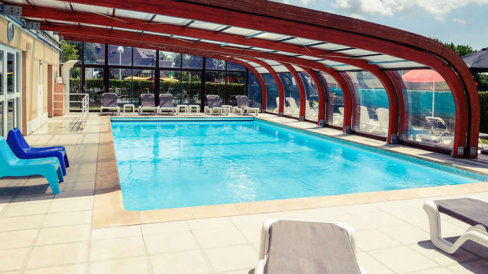 Mercure Cabourg Hôtel & Spa - EDIT_pool1.jpg
