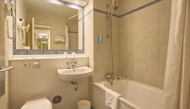 Timhotel Bd Berthier Paris XVII eme - bathroom