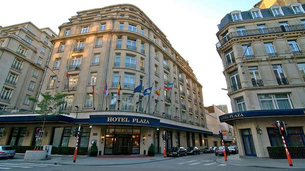 Hotel Le Plaza - front