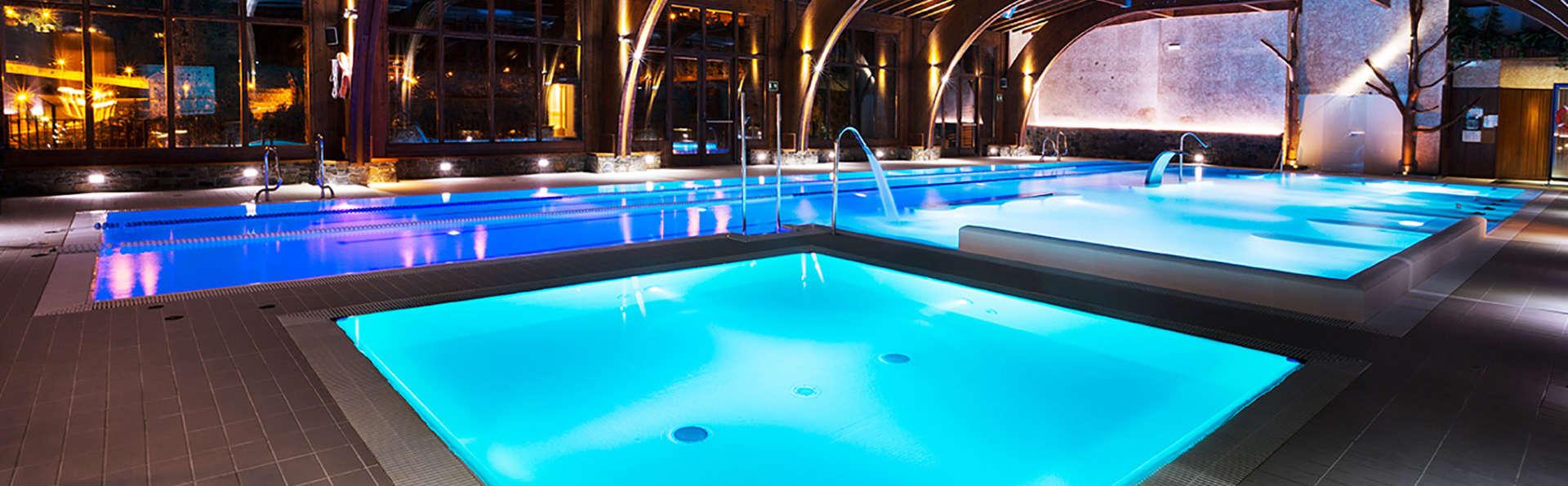 Week-end romantique dans un établissement de prestige avec accès à l'AquaSpa, champagne et chocolats