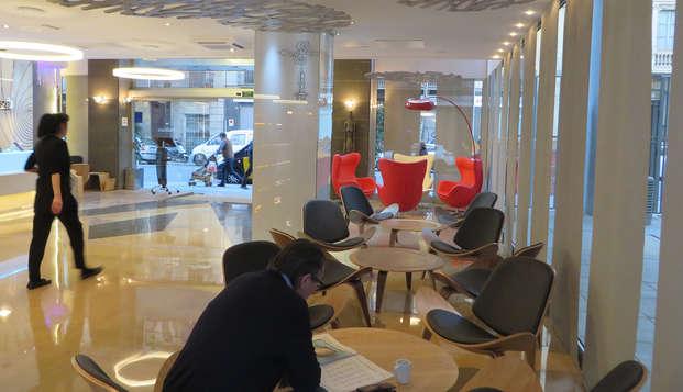 Evenia Rossello - lobby