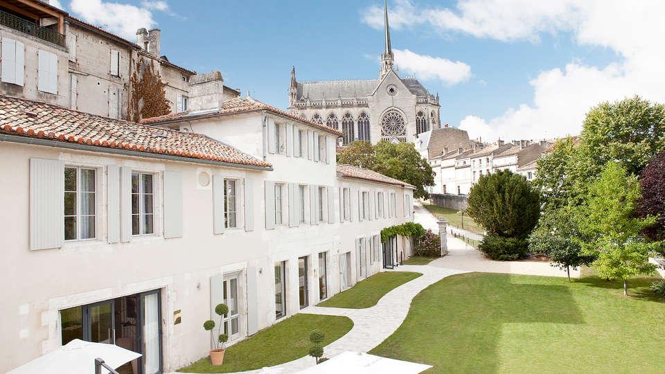 Hôtel Le Saint Gelais - Edit_Front3.jpg