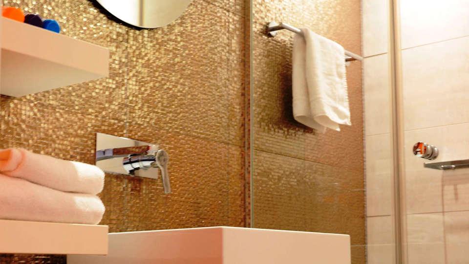 Best Western Plus Rotterdam Airport Hotel - edit_bathroom.jpg