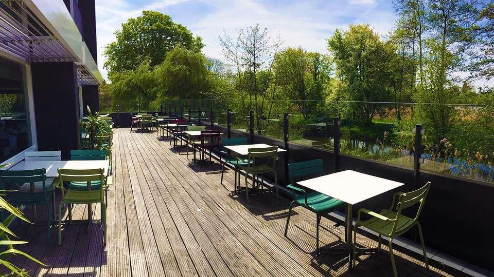 Best Western Plus Rotterdam Airport Hotel - edit_terrace2.jpg