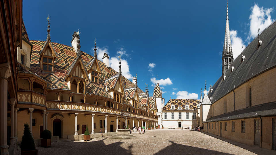 Kyriad Prestige Beaune Le Panorama - edit_beaune.jpg