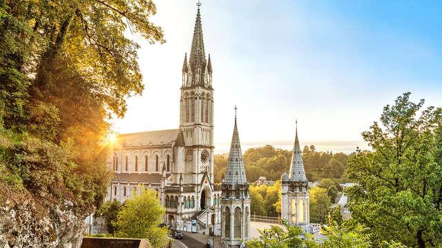 Descubre la ciudad histórica de Lourdes
