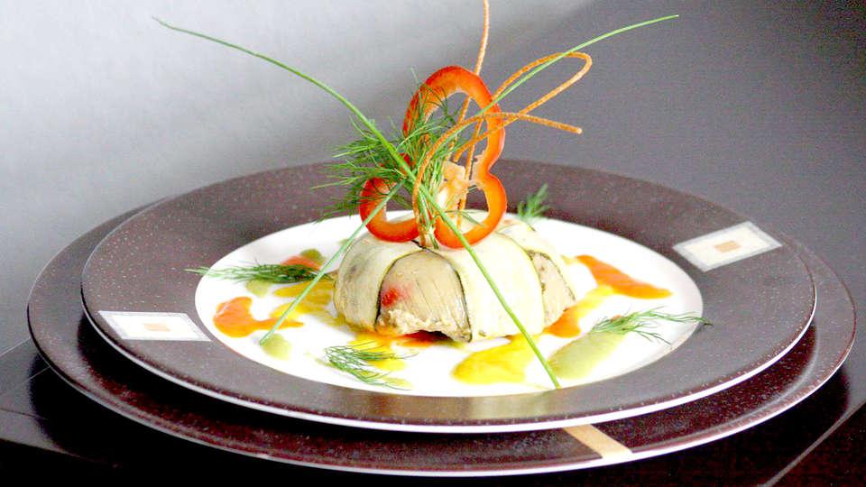 Grand Hôtel - Plombières les bains - Edit_dinner.jpg
