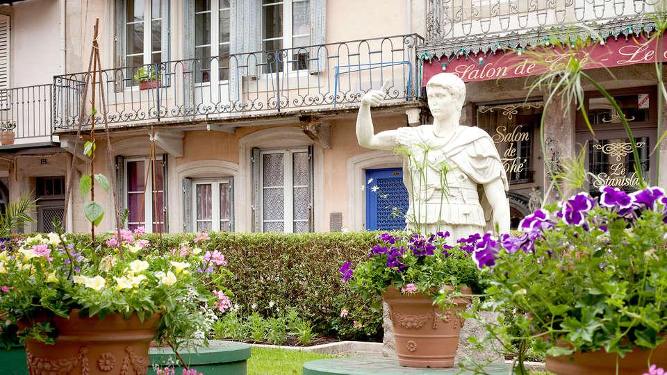 Grand Hôtel - Plombières les bains - Edit_terrace.jpg