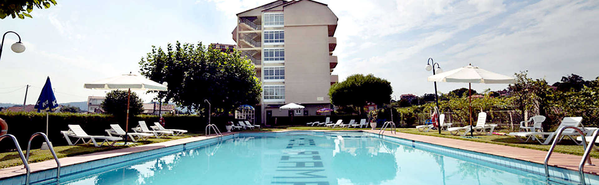 Hotel Ría Mar - Edit_Pool2.jpg