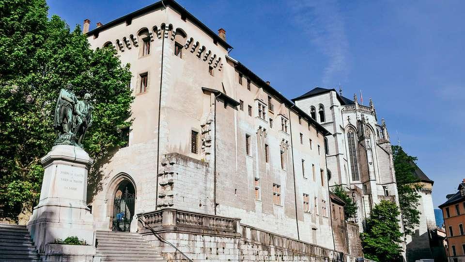Hôtel le Cinq Hyper Centre Chambéry - edit_chambery1.jpg