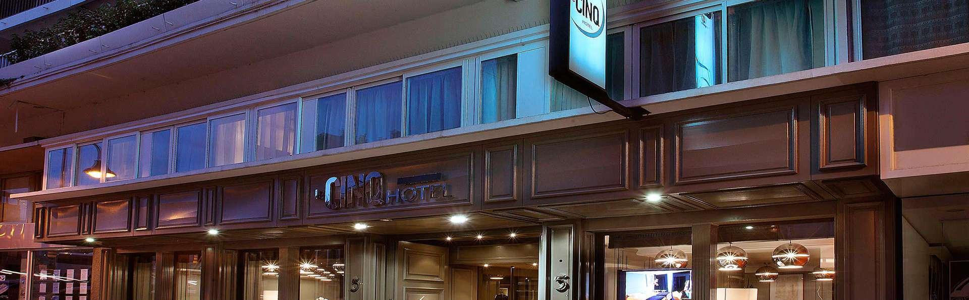 Hôtel le Cinq Hyper Centre Chambéry - edit_front93.jpg