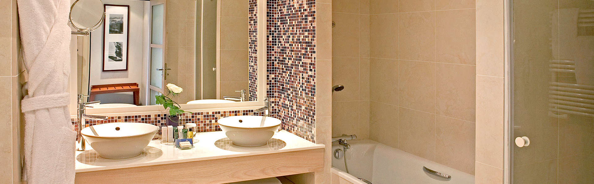 Hauteur Meuble Salle De Bain Vasque A Poser ~ hilton vian les bains 4 evian les bains france