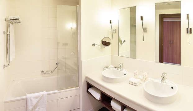 Radisson Blu Paris Marne-la-Vallee - bathroom