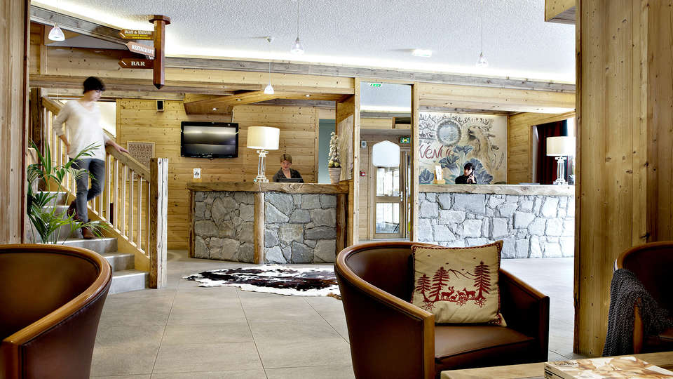 Hôtel Alpen Roc - La Clusaz - Edit_Reception.jpg