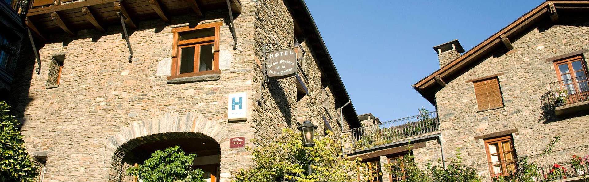 Hotel Santa Bàrbara de la Vall d'Ordino - edit_front.jpg