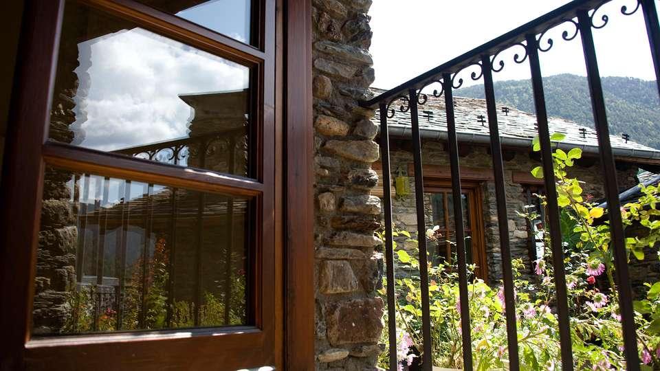 Hotel Santa Bàrbara de la Vall d'Ordino - edit_view.jpg