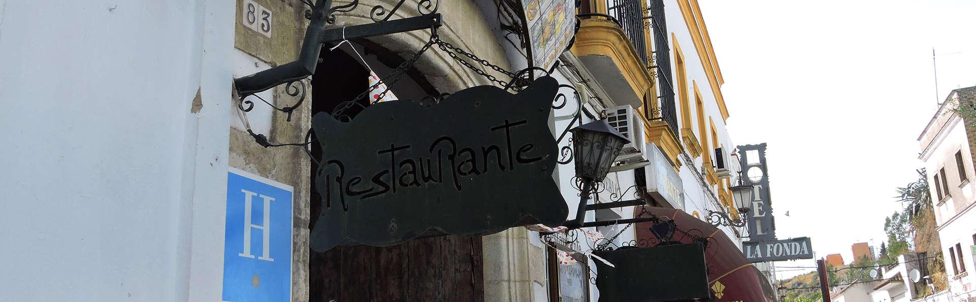 Hotel La Fonda del Califa - edit_facade.jpg