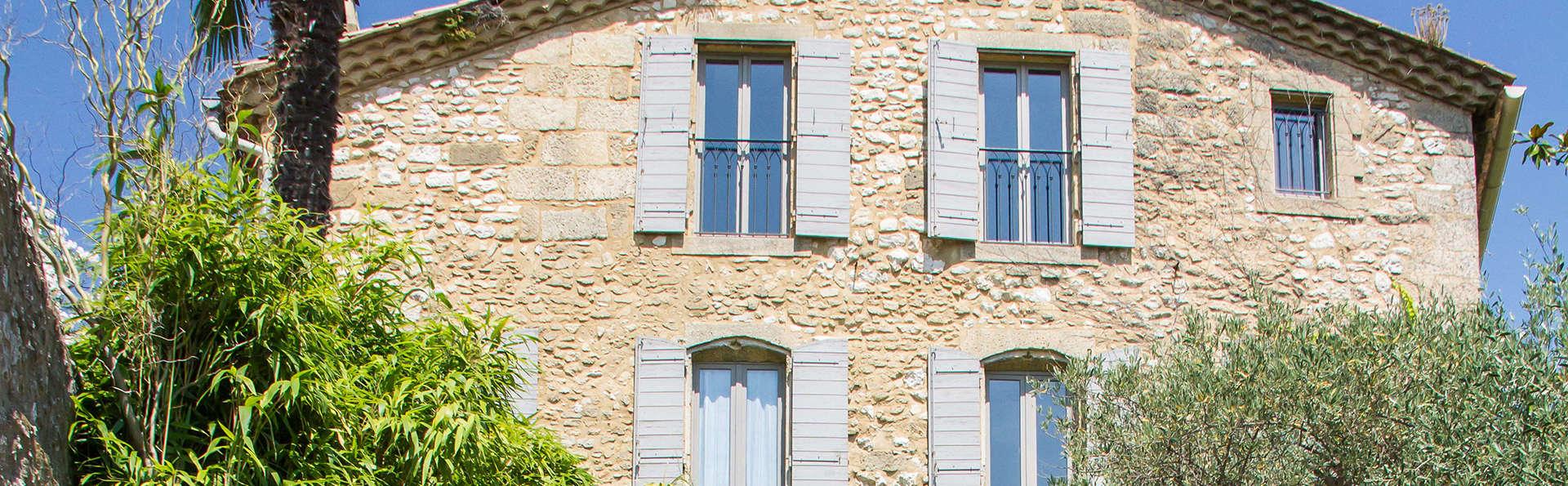 Hostellerie Le Castellas  - edit_facade1.jpg