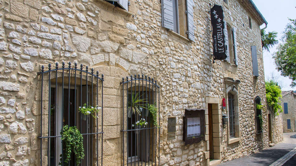 Hostellerie Le Castellas  - edit_facade.jpg