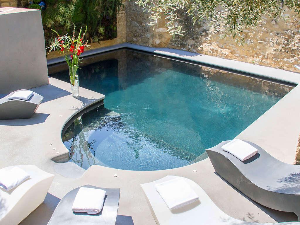 Séjour Gard - Week-end bien-être avec massage dans un hôtel de charme entre Uzès et le Pont du Gard  - 4*