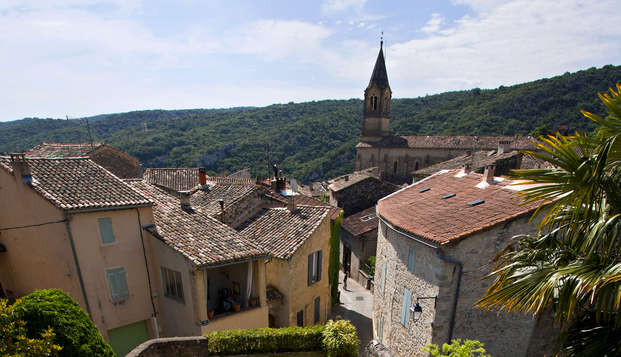 Escapada con encanto en un pueblo medieval cerca de Uzès