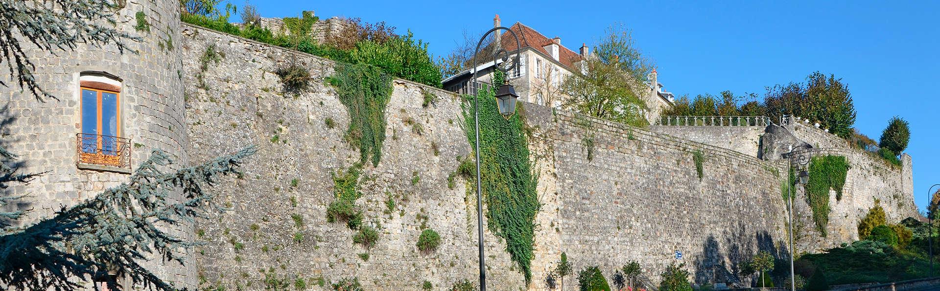 Hôtel Ile de France - Edit_Remparts-de-Chateau-Thierry.jpg